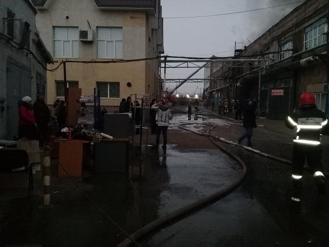 Из-за пожара в ТК МИР в Оренбурге работу потеряли более 100 человек