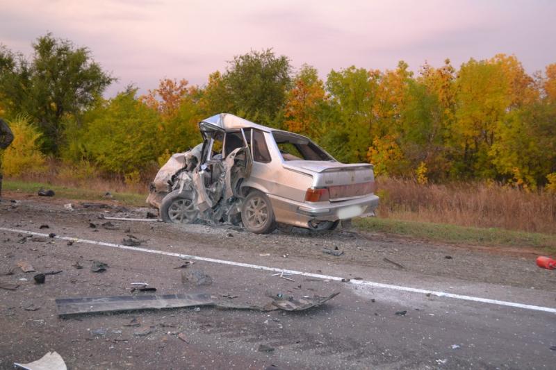 НаСамарской трассе втройном ДТП умер 22-летний шофёр ВАЗ