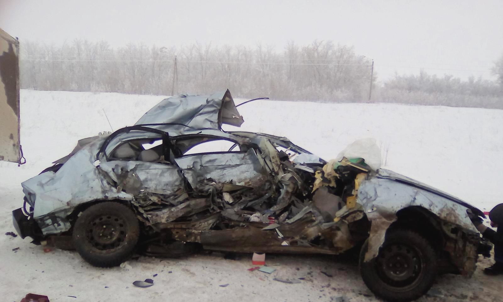 Свидетели чудовищного ДТП: машина «всмятку», погибла молодая девушка