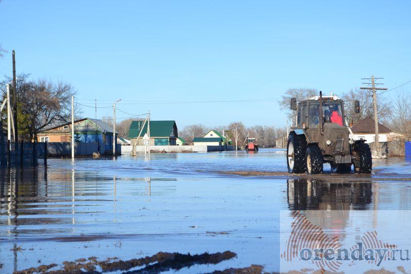 МЧС: граждане затопленного села Краснохолм возвращаются всвои дома