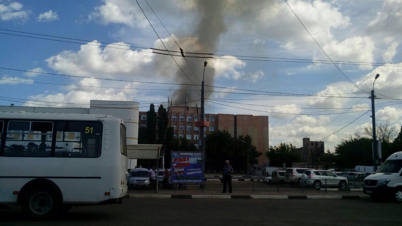 ВОренбурге назаводе вспыхнул пожар площадью тысяча квадратных метров