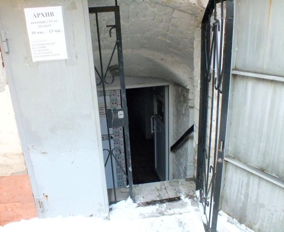 Cотрудники экстренных служб эвакуировали 21 человека изгорящего здания вОренбурге