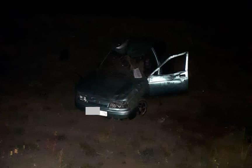Под Соль-Илецком женщина-водитель съехала в кювет, потребовалась помощь врачей